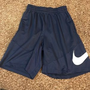 Men's large Nike basketball shorts